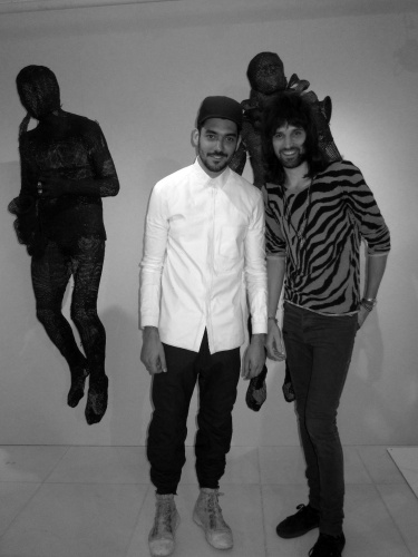 1301071746523933-aitor_throup_and_sergio_pizzorno_from_kasabian_cook_1500_0_resize_90